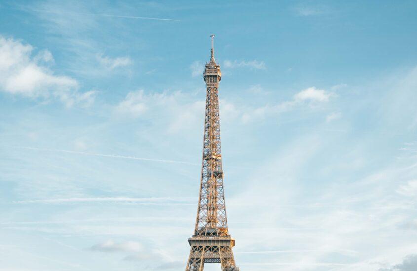 Paris contemporary art - cover image