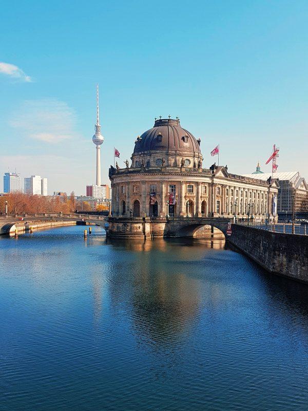 contemporary art galleries berlin